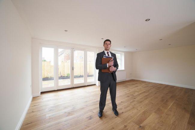 Részben az ingatlanirodák felelősek az árak csökkenéséért