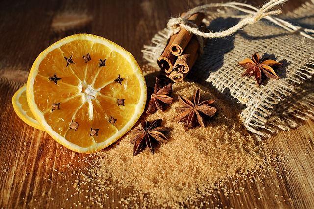 Narancs-dísz: egyszerű, de nagyszerű megoldás