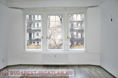 Eladó  lakás Budapest XIII. kerület, 270.000 €, 100 négyzetméter