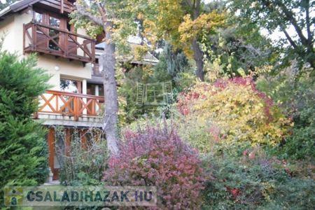 Eladó  családi ház Budapest XII. ker, 220.000.000 Ft, 218 négyzetméter