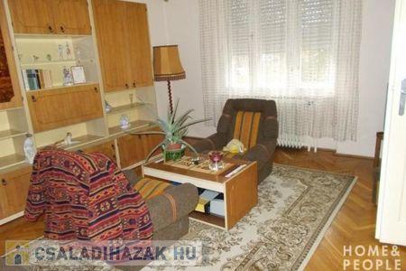 Eladó  családi ház Szeged, 65.000.000 Ft, 210 négyzetméter