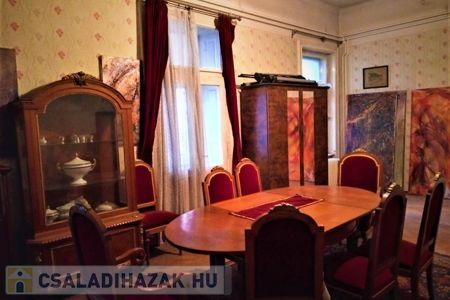 Eladó  családi ház Budapest XV. ker, 279.000.000 Ft, 330 négyzetméter