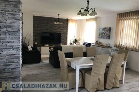 Eladó  családi ház Dunakeszi, 94.000.000 Ft, 190 négyzetméter