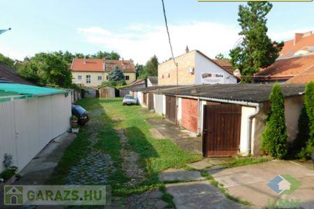 Eladó  garázs Szeged, Belváros, 4.900.000 Ft, 17 négyzetméter