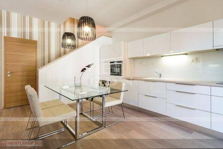 Eladó  lakás Budapest VI. ker, 105.000.000 Ft, 89 négyzetméter