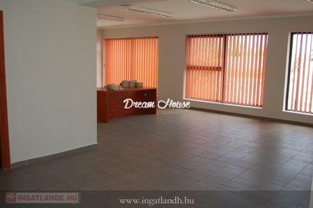 Eladó  iroda/üzlethelyiség Nyíregyháza, 44.900.000 Ft, 160 négyzetméter