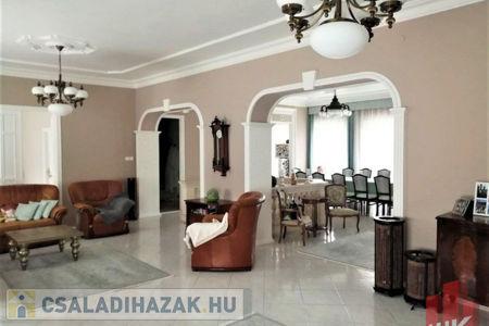 Eladó  családi ház Salgótarján, 89.900.000 Ft, 350 négyzetméter