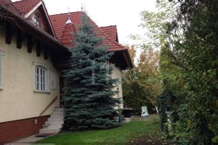 Eladó  családi ház Budapest IV. ker, 69.000.000 Ft, 220 négyzetméter