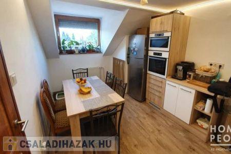 Eladó  családi ház Szeged, 43.990.000 Ft, 170 négyzetméter