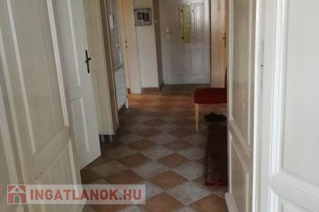 Kiadó  lakás Budapest V. ker, 250.000 Ft/hónap, 104 négyzetméter