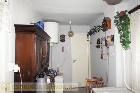 Eladó  ház Kecskemét, Petőfiváros, 18.000.000 Ft, 60 négyzetméter