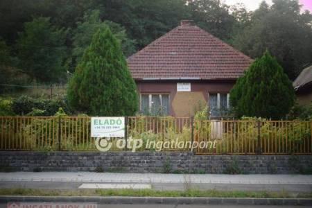 Eladó  családi ház Salgótarján, 8.500.000 Ft, 84 négyzetméter