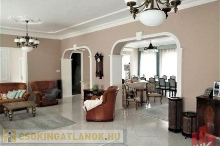 Eladó  ház Salgótarján, 89.900.000 Ft, 350 négyzetméter