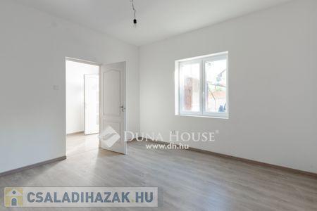 Eladó  családi ház Budapest XX. ker, 17.990.000 Ft, 31 négyzetméter
