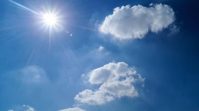 A napfény melege csupán töredékét okozza a lakásban levő hőmérsékletnek