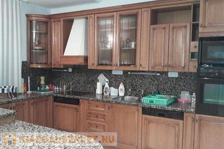 Albérlet, kiadó ház Debrecen, 700.000 Ft/hónap, 428 négyzetméter