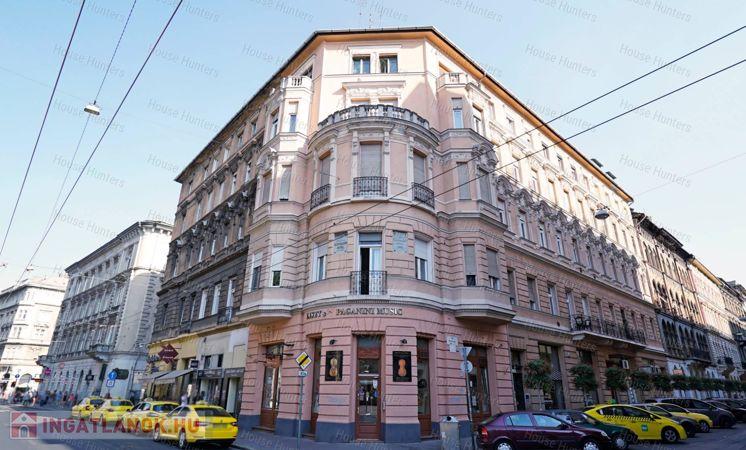 Eladó lakás a Kertész-Király utca sarkán
