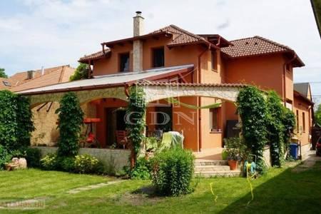 Eladó  családi ház Székesfehérvár, 69.000.000 Ft, 200 négyzetméter