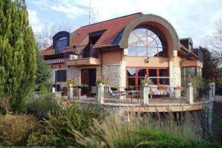 Eladó  ház Budapest II. ker, Pesthidegkút-Ófalu, 240.000.000 Ft, 447 négyzetméter