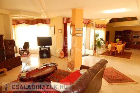 Eladó  családi ház Kaposvár, 94.900.000 Ft, 700 négyzetméter