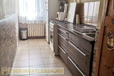 Eladó  lakás Veszprém, 21.000.000 Ft, 52 négyzetméter