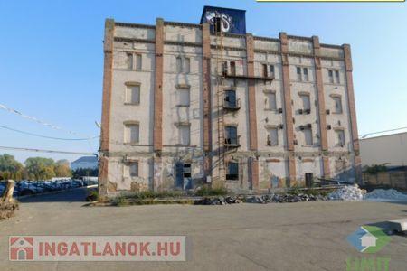 Eladó  ipari ingatlan Szeged, Iparváros, 310.000.000 Ft+ÁFA, 3.740 négyzetméter