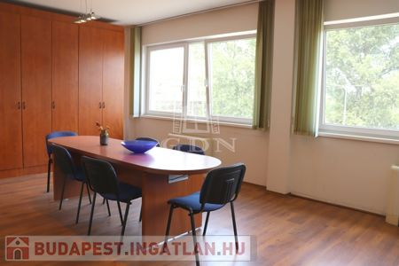 Kiadó  iroda/üzlethelyiség Budapest XXII. kerület, 1.336 €/hónap, 167 négyzetméter