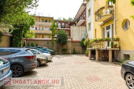 Eladó  ház Szeged, Belváros, 575.000.000 Ft, 1.000 négyzetméter
