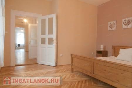 Eladó  lakás Budapest VI. ker, 63.900.000 Ft, 75 négyzetméter