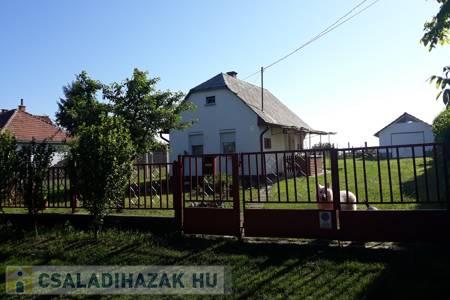 Eladó  családi ház Kaposvár, 8.900.000 Ft, 33 négyzetméter