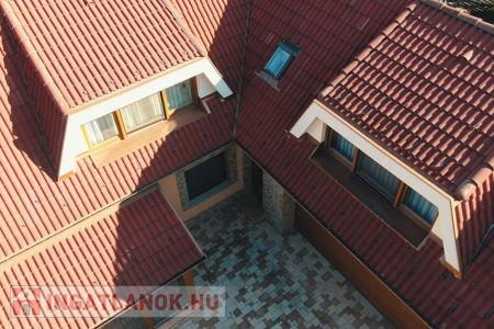 Eladó  iroda/üzlethelyiség Debrecen, 185.000.000 Ft+ÁFA, 270 négyzetméter