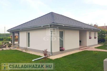 Eladó  családi ház Zalaegerszeg, 30.000.000 Ft, 90 négyzetméter