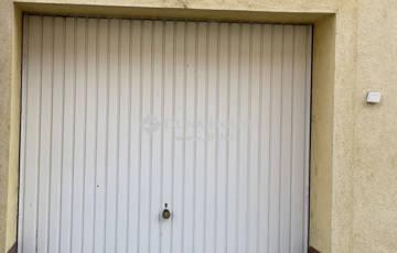 Kiadó garázs